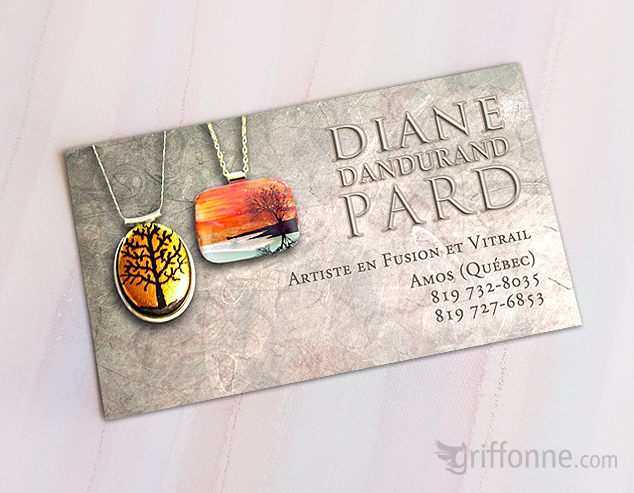 Business card for a glass artist. Carte d'affaire pour une artiste du verre.